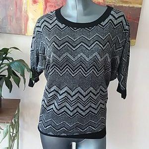 EXPRESS silver black Chevron pattern knit top